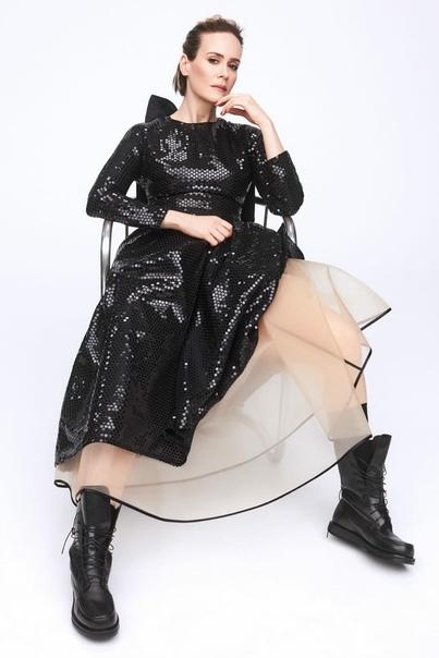 Роскошная Сара Полсон в фотосете для Netflix Queue