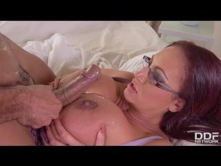 Vinny star and emma butt massive tits jizzed on handyman fucks busty brit s big boobs