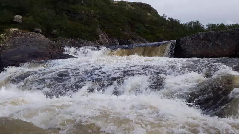 Верхний каскад водопада на Титовке