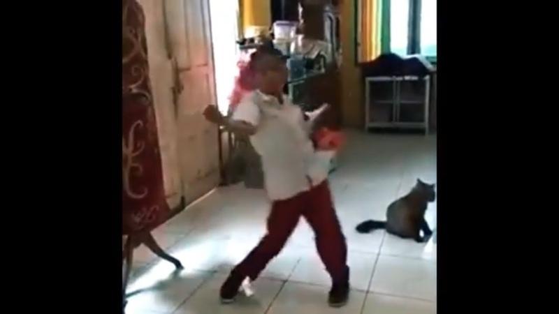 Bocah Pulang sekolah nge dance zumba