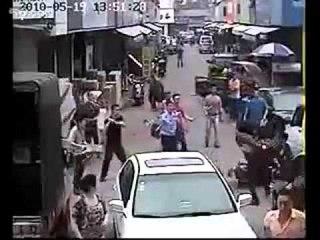 Суд Линча над уличными ворами в Китае