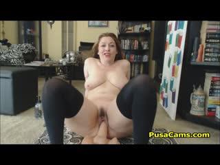 Parisian big tits mom exercising her big ass big ass butts booty tits boobs bbw pawg curvy mature milf