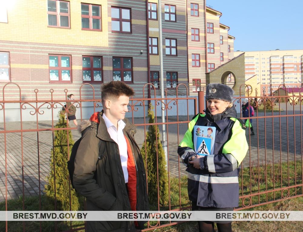 Инспекторы ГАИ приблизили маршруты патрулирования к местам учреждений образования