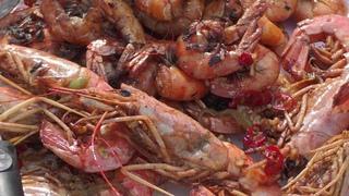 КРЕВЕТКИ, СУДАК и КАЛЬМАР жарим в казане.  Рыбный день.  SHRIMPS, WALLEYE and SQUID are fried in oil