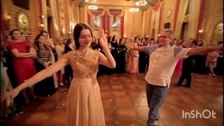БОГАТАЯ ЧЕЧЕНСКАЯ СВАДЬБА 2021🌸 Элина Дагаева танцует Лезгинку! Красивый танец! Чеченский Ловзар🌸