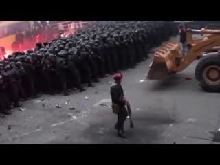 Евромайдан бьет беркут! 1 декабря, Украина, Киев