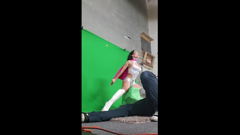 Вы не поверите но это не супергеройское кино так сейчас снимают порно с русской порноактрисой Crystal Rush