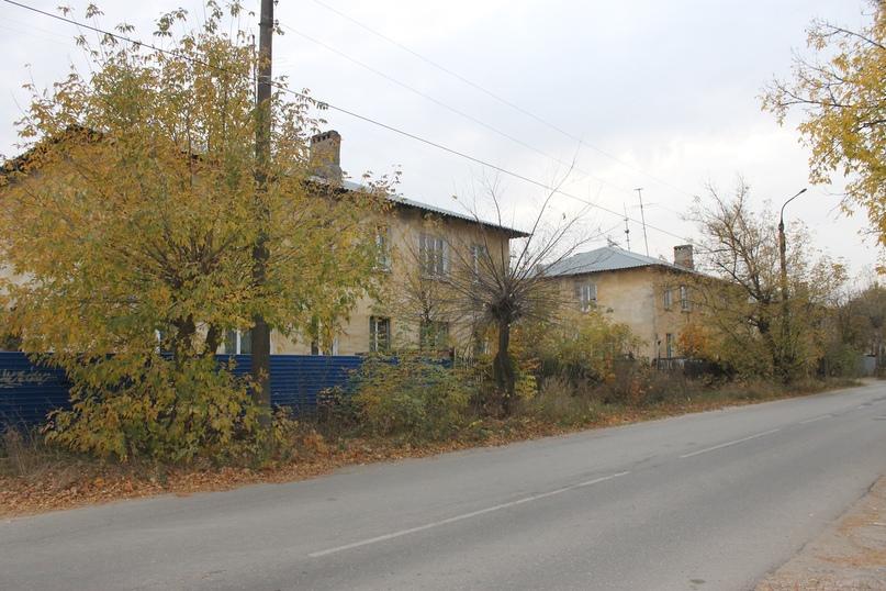 На улице Бутлерова есть район, где сохранились небольшие двухэтажные домики