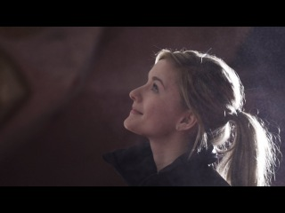 adidas Outdoor: Shauna Coxsey - Bouldering at The Arch