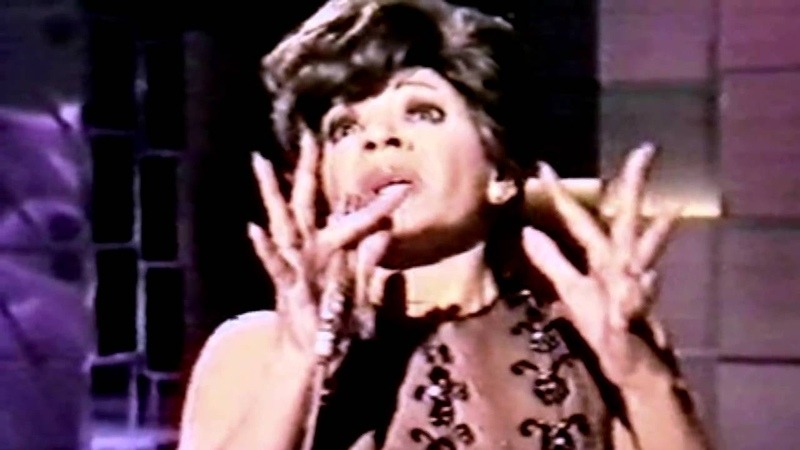 Quantum of Solace Theme Considered - No Good About Goodbye - Shirley Bassey (2009 Recording)