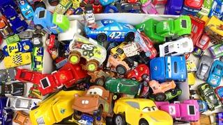 Игрушки Большая Коробка Машинки Тачки Маквин и Друзья