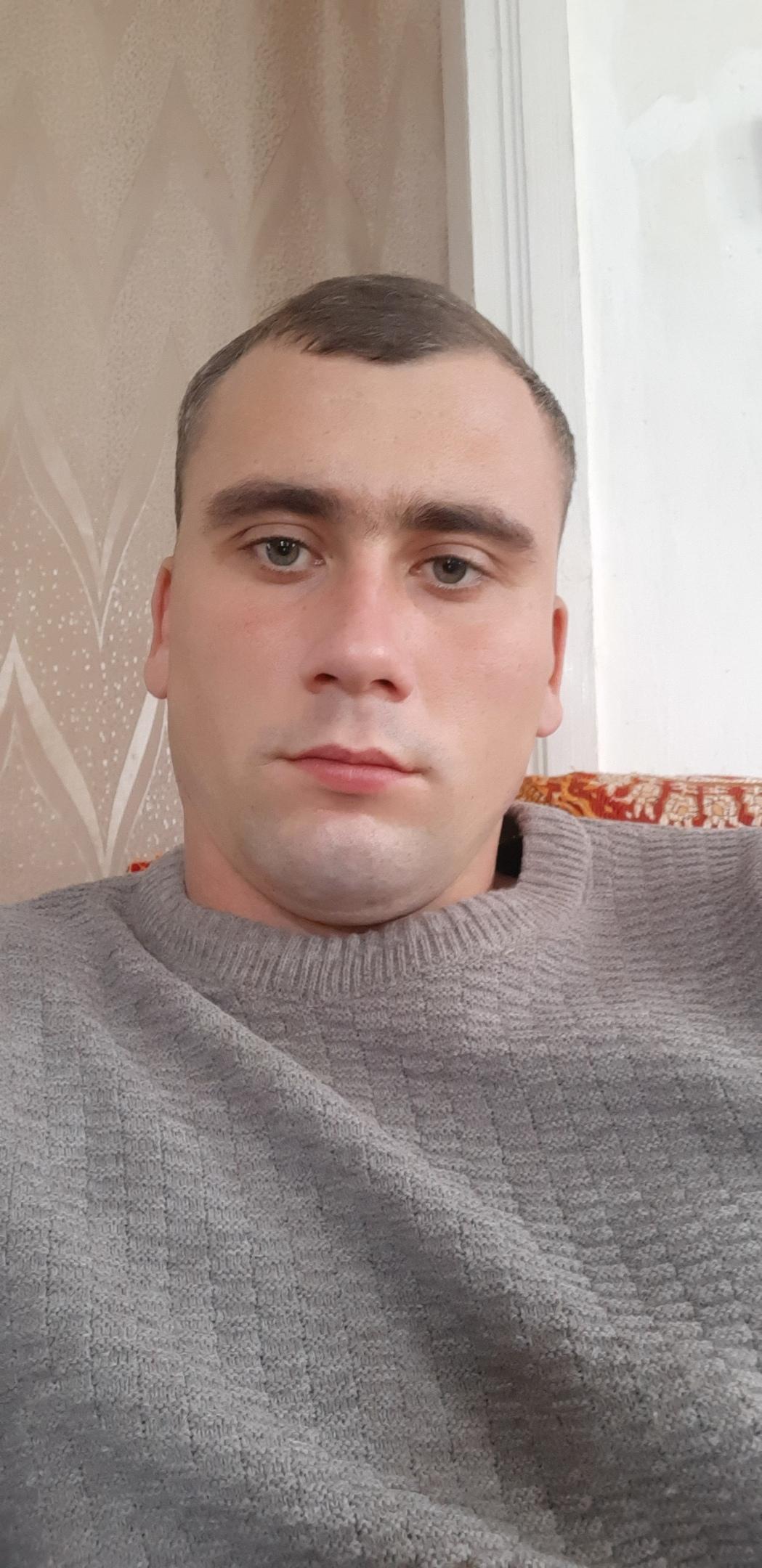 Yury, 28, Tikhoretsk