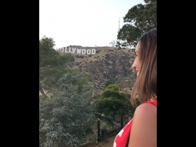Ольга Бузова встречает закат на Голливудских холмах в Лос Анджелесе