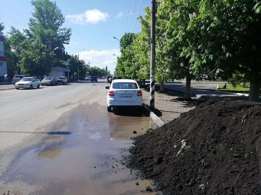 В центре Петровска продолжаются работы по благоустройству территории