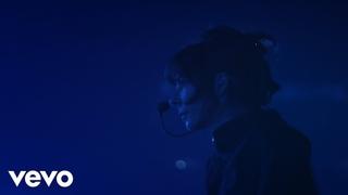 Mylène Farmer - L'âme dans l'eau (Clip officiel)