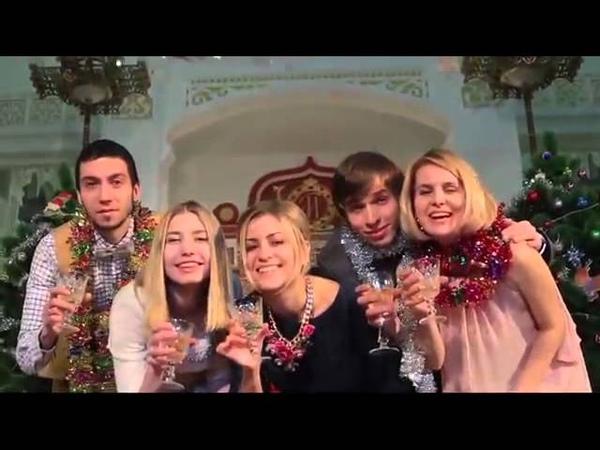Эмилия Куракова в видеорекламе к концерту шутке 'Карнавальная ночь в Опере'