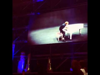131103 Kim jaejoong flying kiss on screen~