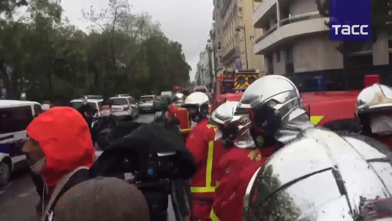 Неизвестный напал с ножом на прохожих рядом с редакцией Charlie Hebdo в Париже