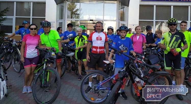 Международный велопробег провели к 1000-летию города по маршруту Влодава-Брест