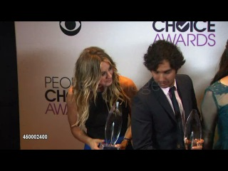 Kaley Cuoco Kunal Nayyar Mayim Bialik Jim Parsons and Melissa Rauch at the 40th Annual People's Choice Awards Photo Room Kaley Cuoco Kunal Nayyar Mayim Bialik Jim Parsons and Melissa Rauch at the 40th Annual People's Choice Awards Photo Room at Nokia Theatre L A Live on 2014 01 08 in Los Angeles California