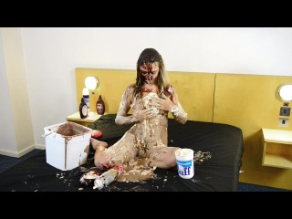 Wam shorts - chloe's dessert in the sploshing suite