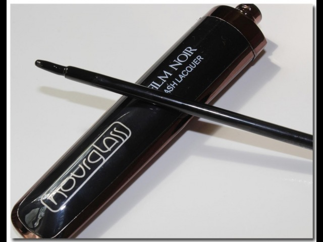 Hourglass Film Noir Lash Laquer Review (LIPGLOSS FOR YOUR EYES?!)