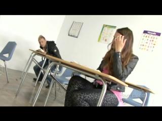 Вместо уроков оттрахал в аудитории студентку грубый жесткий секс порно минет куни сперма анал орал