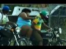 ★_Tolstyshka_pitaetsya_zalest_na_motocikl__Thick_trying_to_sit_on_a_motorcy