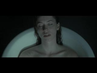 Ребекка Холл (Rebecca Hall) голая в фильме Экстрасенс (2011)