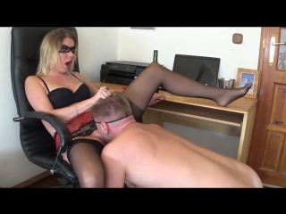 Extremely huge squirting orgasm with smoking and pussy eating by truutruu (инет).