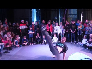 "Bboy PacMan - Судейский (финалы) на ""WazZup Battle TiTans"" г.Кривой Рог"