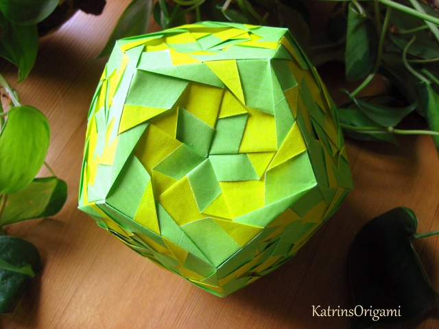 Origami ❀ Aquarella ❀ Kusudama