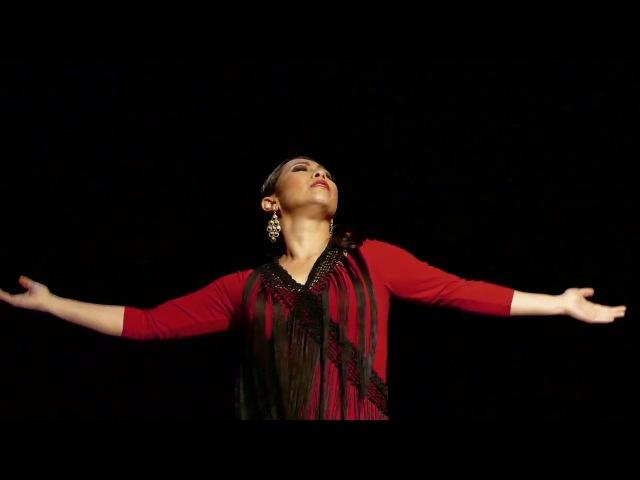 Zorongo Kasandra La China flamenco dancer