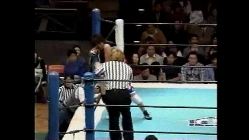 AKINO, Ikuto Hidaka vs. Ai Fujita, Minoru Fujita (Battlarts/ARSION - 11.05.2000)