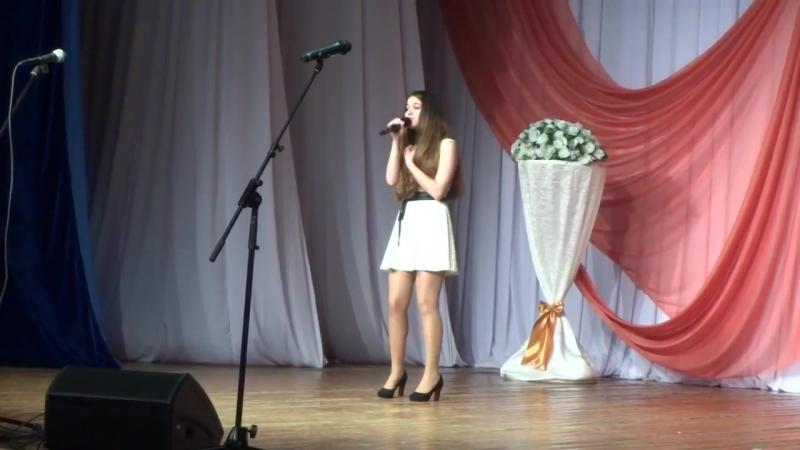 Эльвира Наврузова Розы темно алые