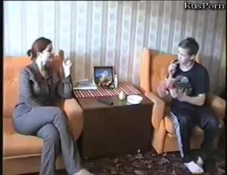 Пацан трахается с мамашей лучшего друга - русское порно любительское инцест молодые homemade porn xxx amateur оргия