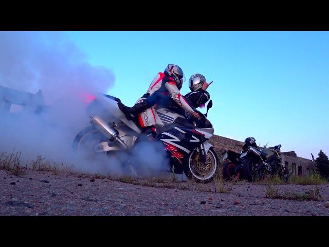 Бернаут с девушкой на Honda CBR954RR