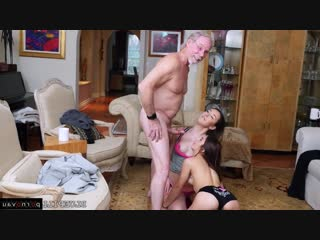 Sally Squirt aka Vanessa Phoenix & Gigi Flamez [ Young / Cunnilingus, Old with young, Riding dick, Cumshot on ass]