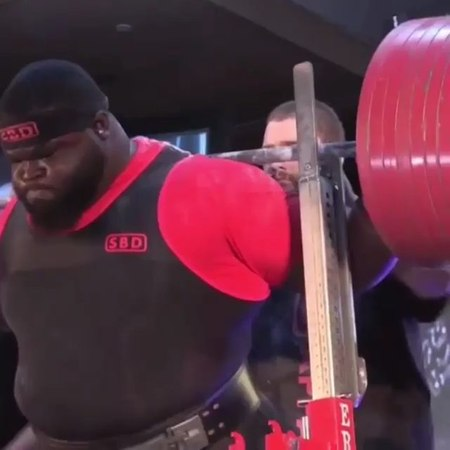 Ray Williams with a 485kg squat at the Arnold Classic