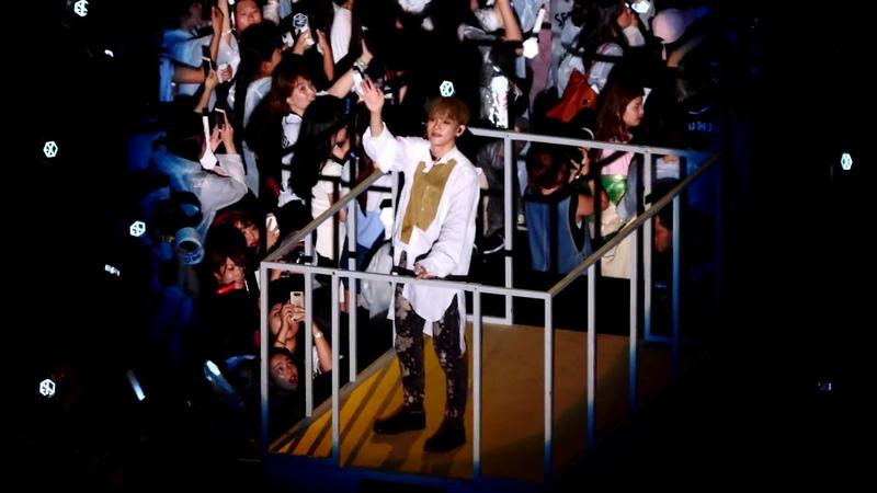 [4K] 170708 SM콘서트 EXO 첸(CHEN) - 나비소녀 (Don`t Go) 직캠 fancam