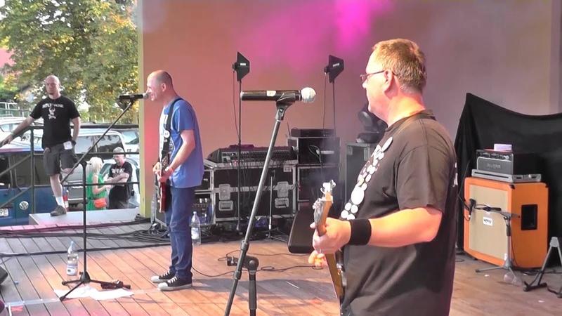Cela nr 3 - Live Rock na Bagnie 2014 - Piwo , Fantastycznie , Za moimi drzwiami (cover Zwłoki)