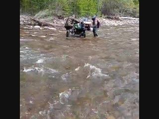 Падение в воду на мото