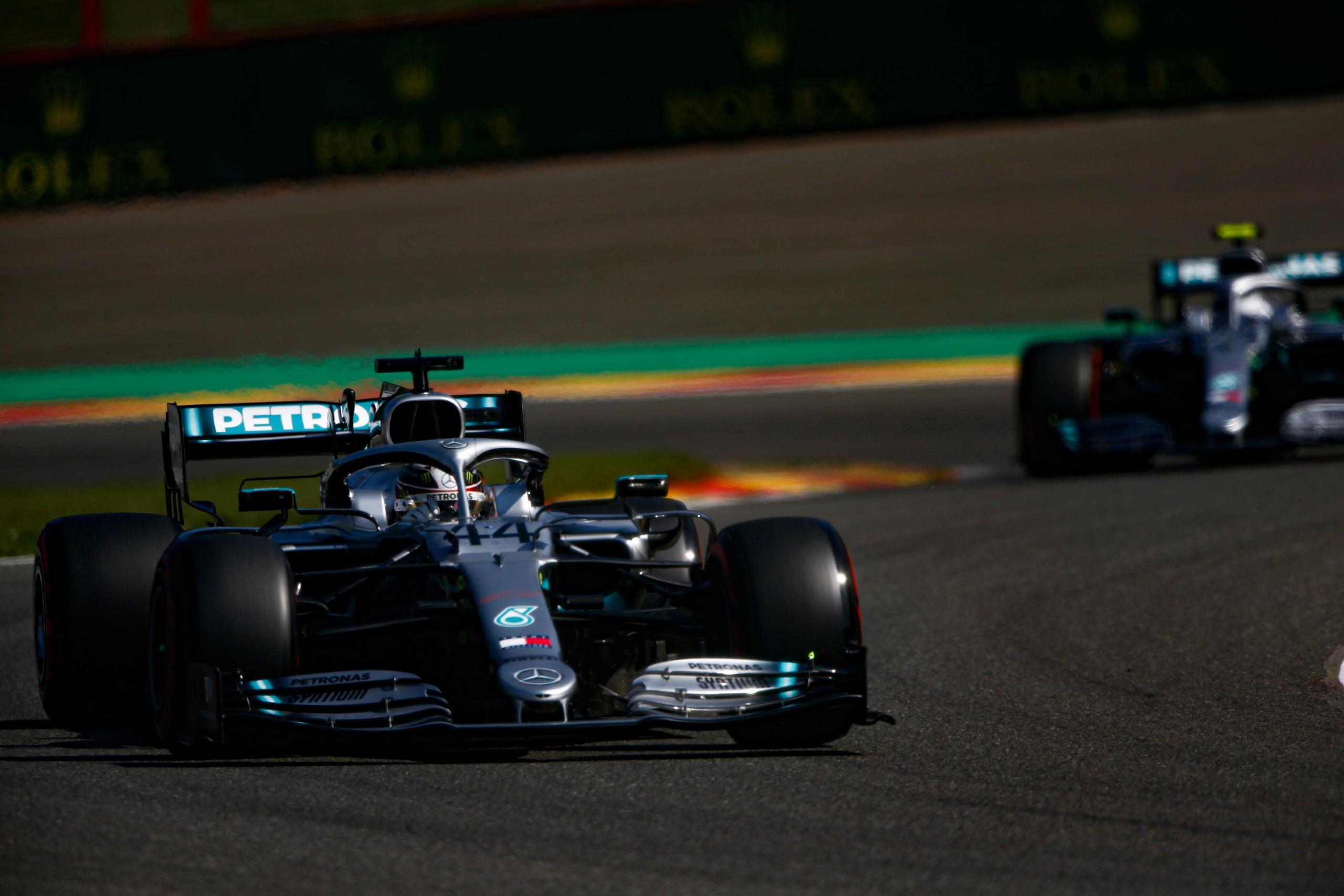 Mercedes уверенно лидирует в кубке конструкторов после второго и третьего места в гран-при Бельгии 2019 года