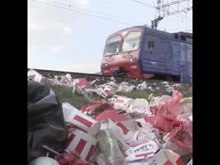 Москвичи пожаловались на горы мусора от KFC