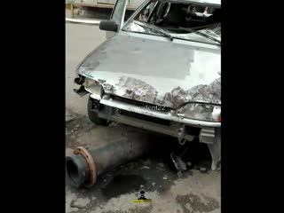Разбитый автомобиль на пересечении проспекта Комсомольского и улицы Чкалова (Инцидент Барнаул)