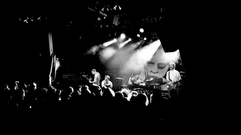 Escapado - 7:58 / Ausgeblendet (Live) | Uebel Gefährlich | 13.10.18 | Zeitstrafe Records 15 Jahre