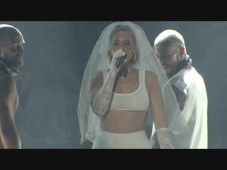 Anne marie 2002 (live at the kiss haunted house party 2018)