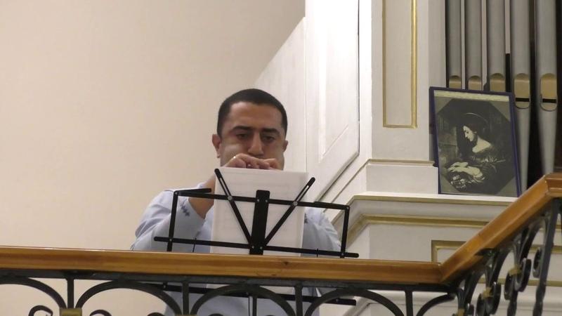 Закрытие Летнего органного фестиваля в тюменском Католическом костеле. Наири Мусоян (дудук) и Мария Блажевич (орган)