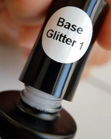 """💅KONAD🖌Grattol💅Akinami👐Маникюр on Instagram: """"Новые мерцающие GLITTER BASE GRATTOL👀. . Сияющие Rubber base с россыпью глиттера 💫 сделают ваш маникюр не только самым модным и красивым,…"""""""