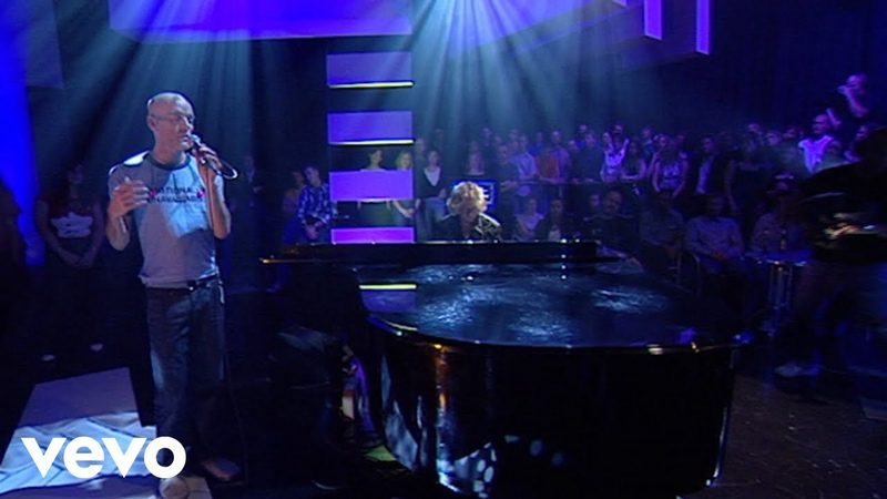 R.E.M. - Nightswimming (Later… with Jools Holland on BBC1, 14 October 2003)